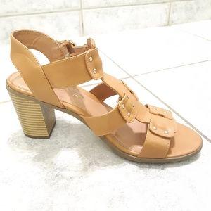 American Eagle Sandals Heels Size 8